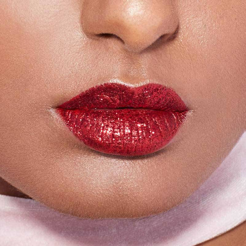 How to Apply and Maintain a Flawless Glitter Lip