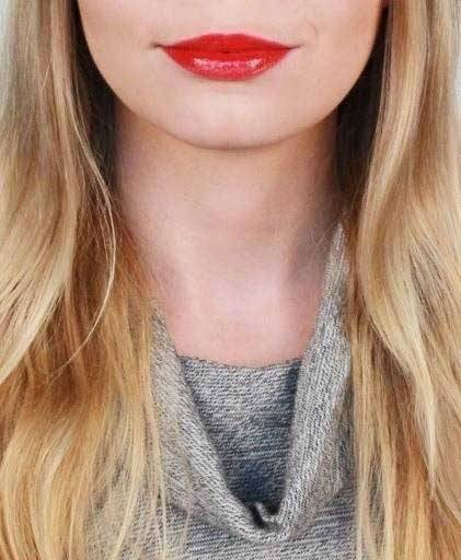 3 Ways to Wear Lip Gloss