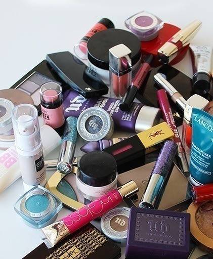 10 Signs You Re Addicted To Makeup