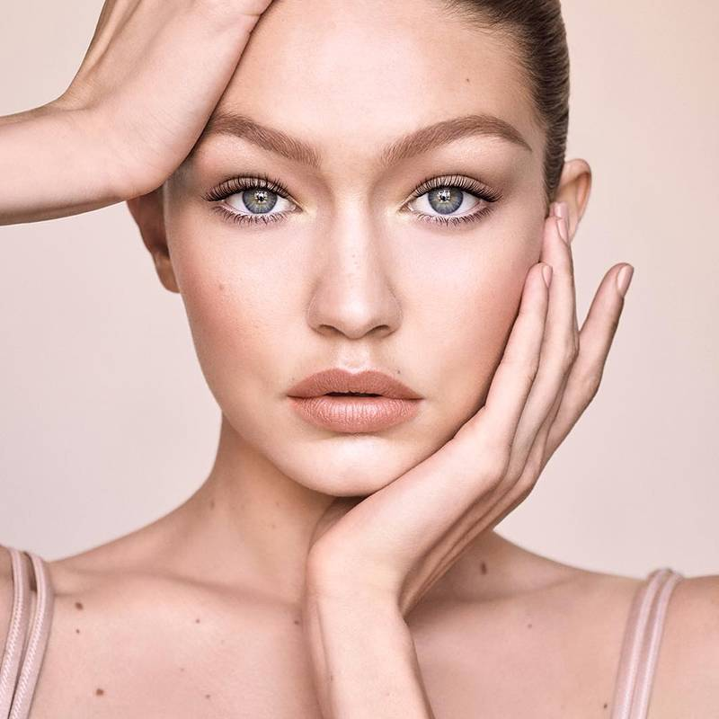 How to Recreate Gigi Hadid's Natural Glam Look