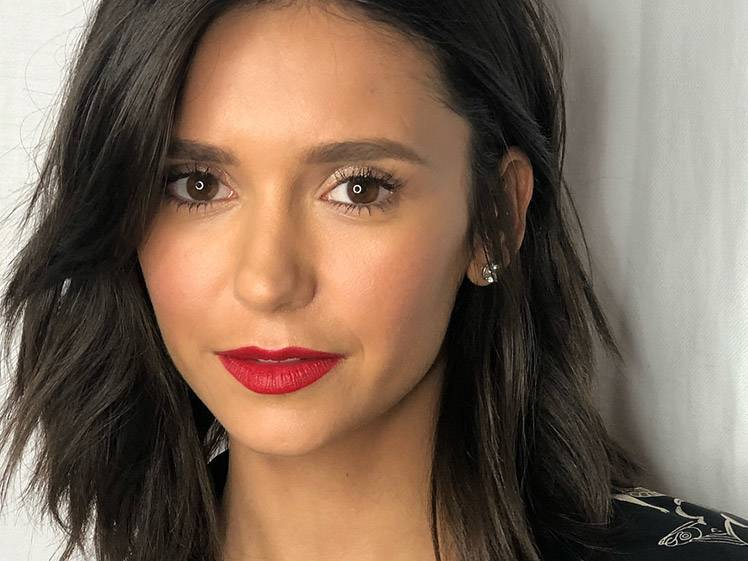 How to Recreate Nina Dobrev's Effortless Red Carpet Glam