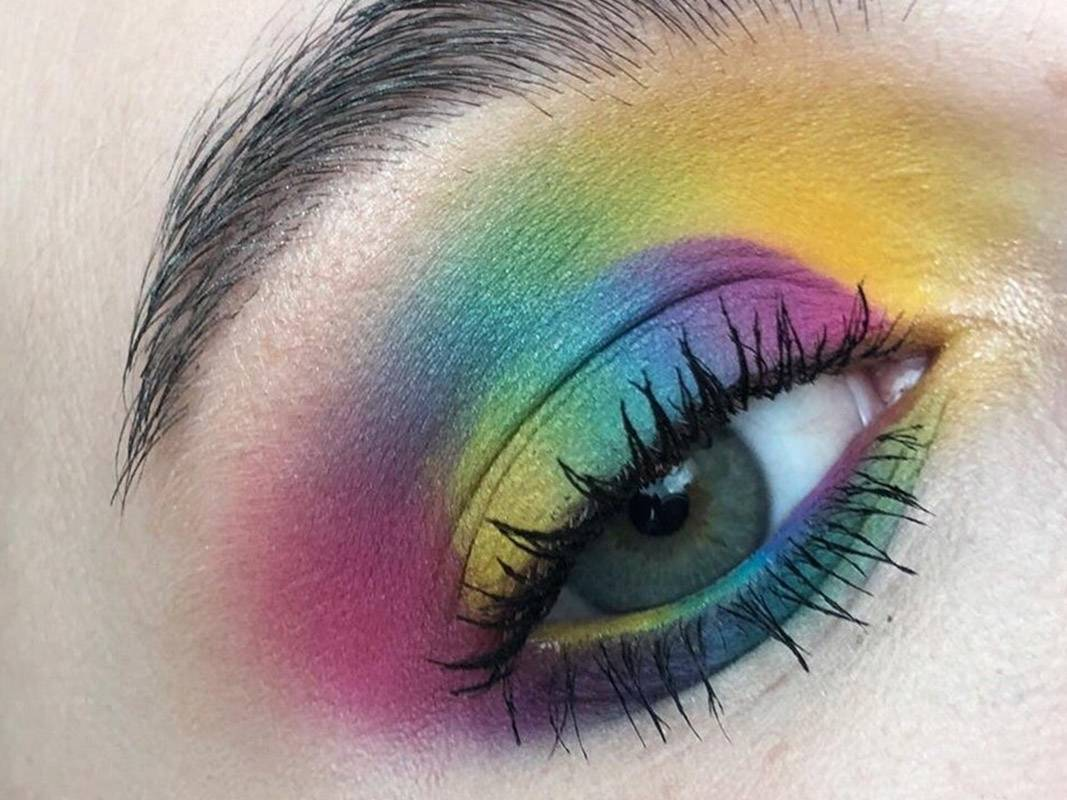 This Rainbow-Inside-a-Rainbow Eye Makeup Look is Trending on Reddit and We Can't Stop Staring