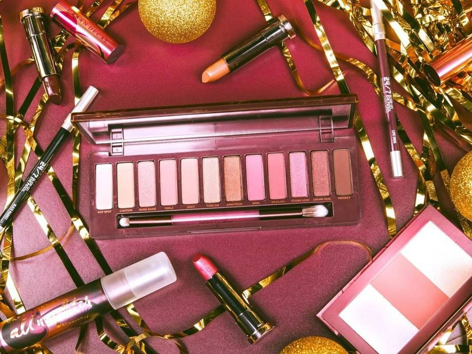 Buy Your Last-Minute Holiday Beauty Gifts Today — Or Else