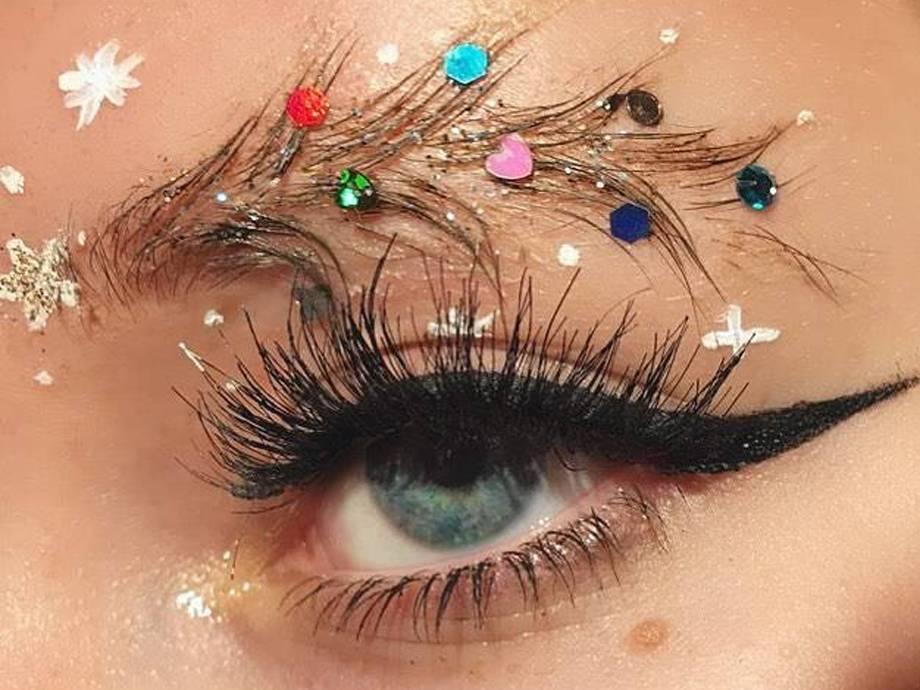 Christmas Eyebrows 2021 Christmas Tree Instagram Eyebrow Trend Makeup Com