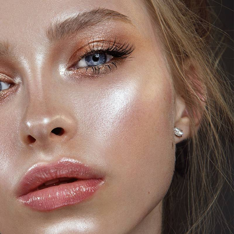 How To Set Dewy Makeup Without Taking