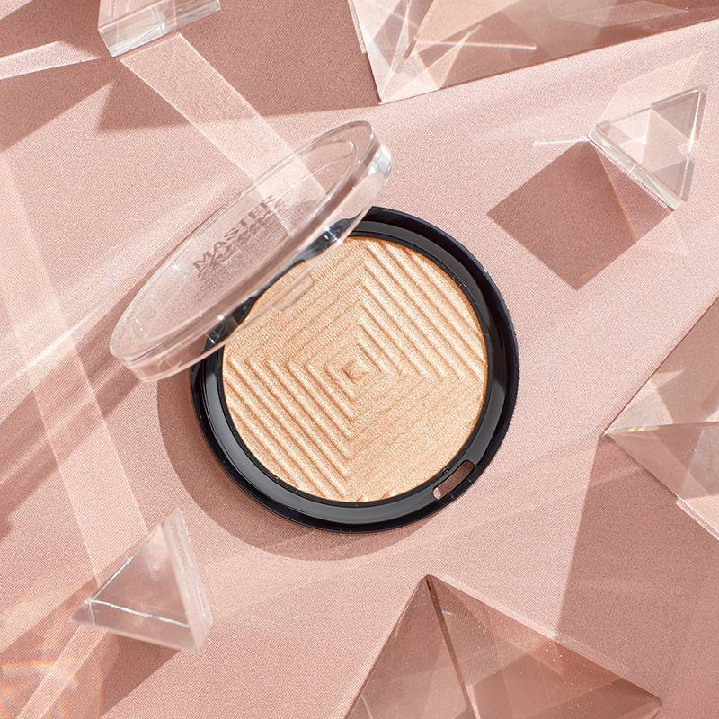6 Highlighters That Will Give You the Glass Skin Look