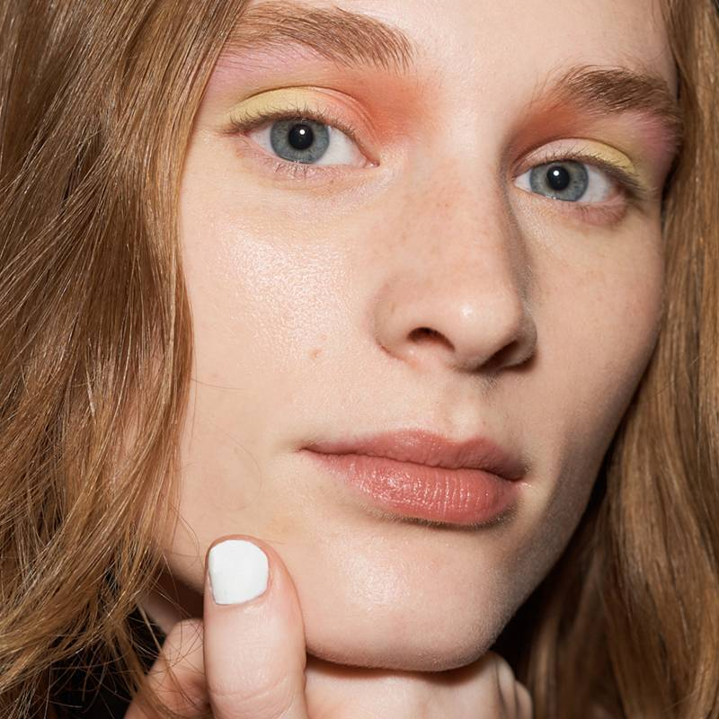 4 Oily Skin Hacks Every Shiny Girl Needs ASAP