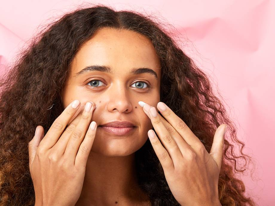 5 Foundations That Look Better When You Apply With Your Fingers