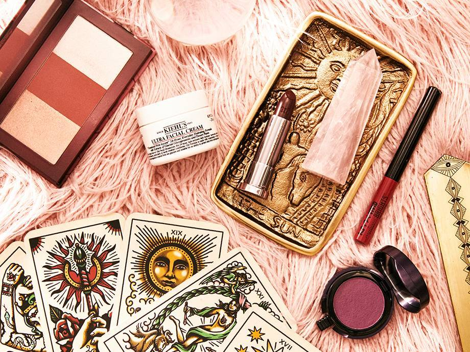How to Incorporate Tarot Into Your Beauty Routine
