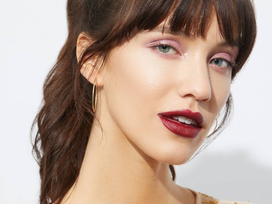 How To Wear A Pink Eyeshadow And Red
