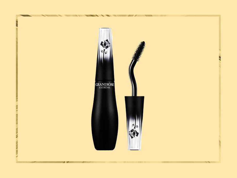 Why You Need Mascara With a Flexible Brush In Your Life