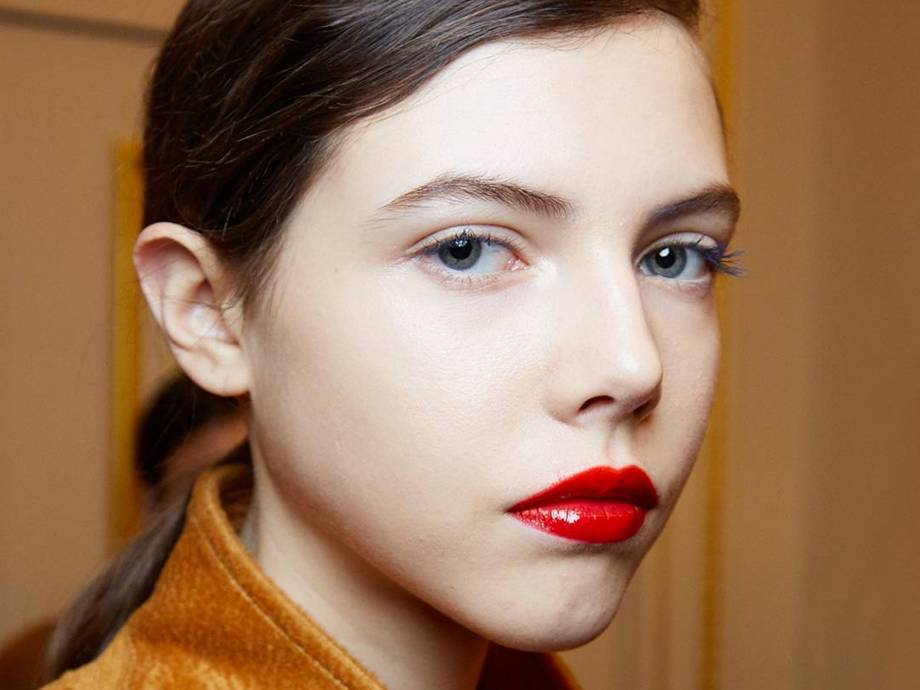 How To Wear Red Lipstick During The Day Makeup Com