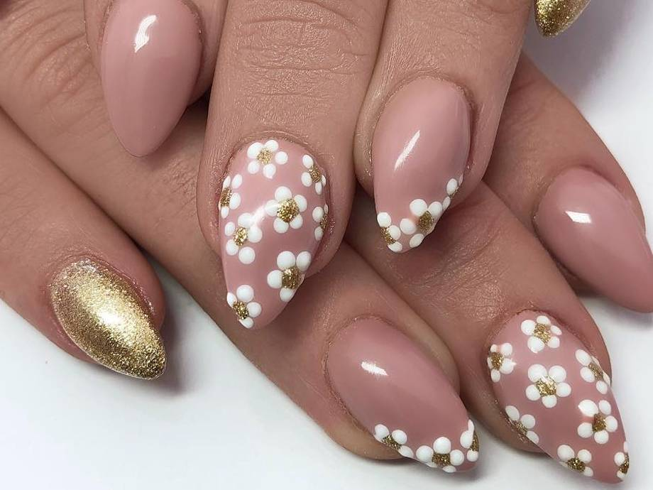 How to Create Flower Nail Art Using Just a Dotting Tool