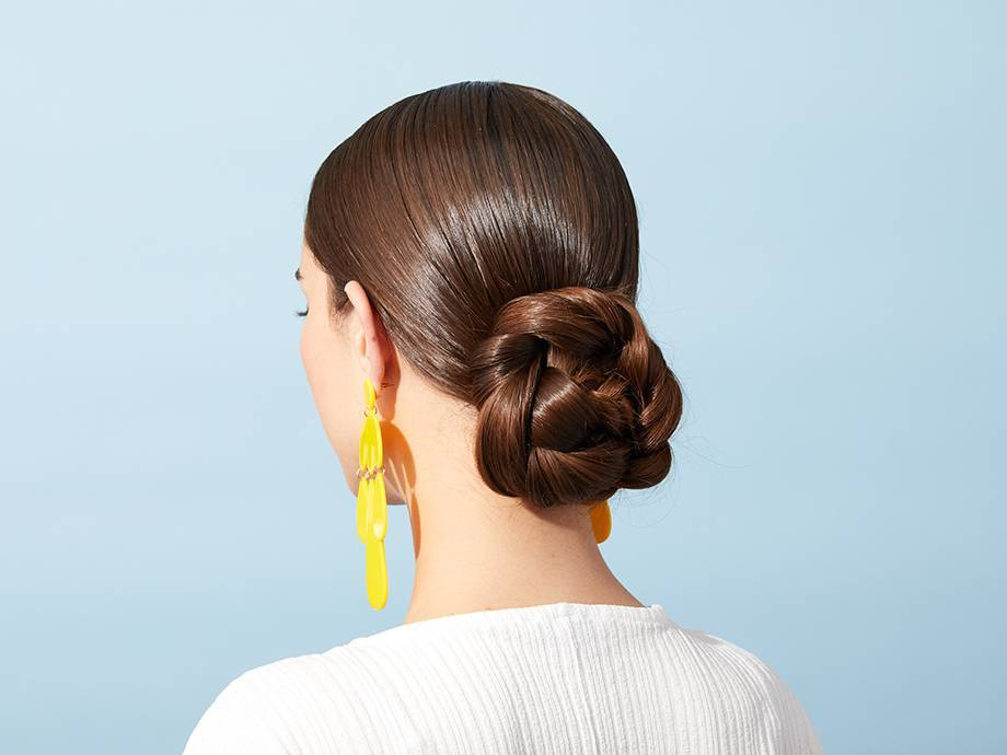 4 Cool Prom Hairstyles That You Have to Try This Year