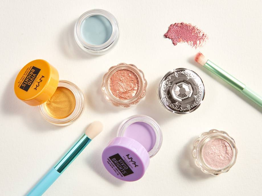 5 Eyeshadow Pots to Try — Apply 'Em With Your Fingers!