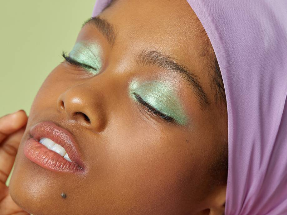 Yes, You Can Totally Pull of Mint Green Eyeshadow — Here's How