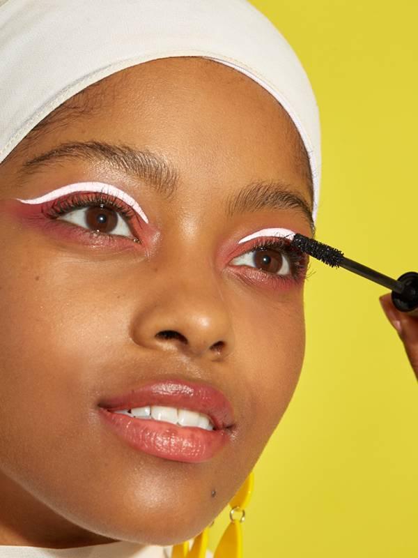 White Eyeliner Over Eyeshadow Makeup