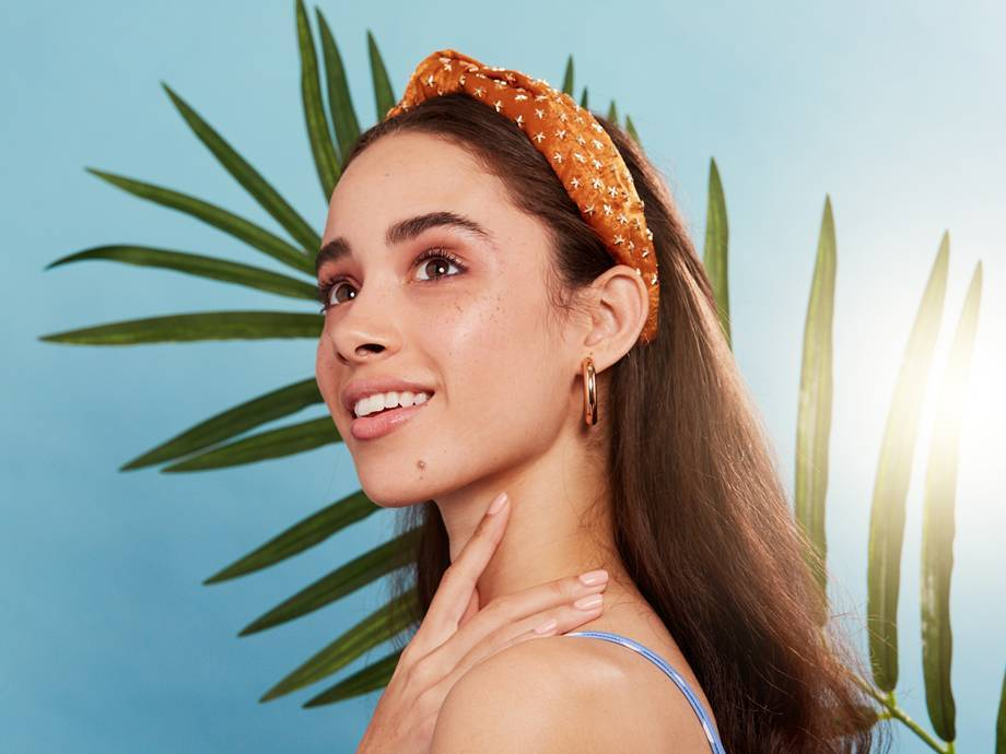 5 Cute Headbands That Will Save You From Ever Having a Bad Hair Day Again