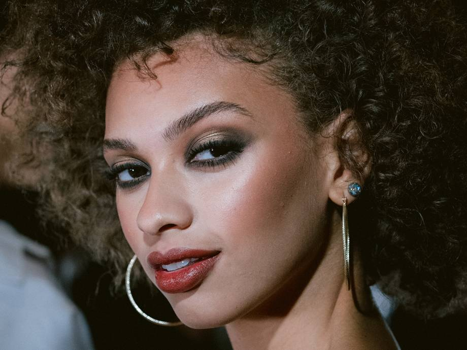 Get the '70s Glam Daytime Disco Makeup Look From the Tommy Hilfiger x Zendaya NYFW Show