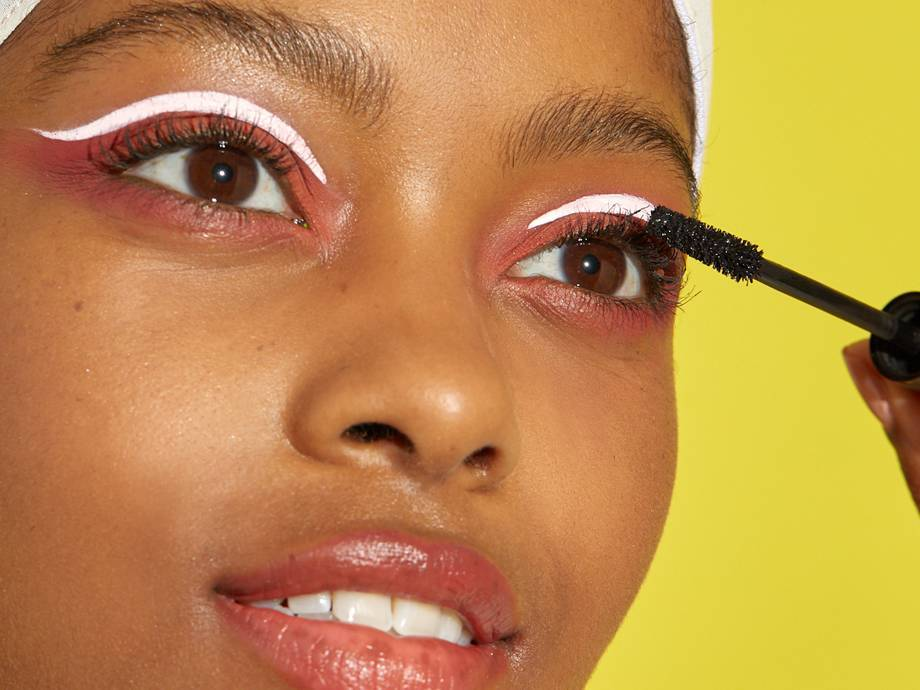 How to Get Perfectly Separated Eyelashes With Mascara, Once and for All