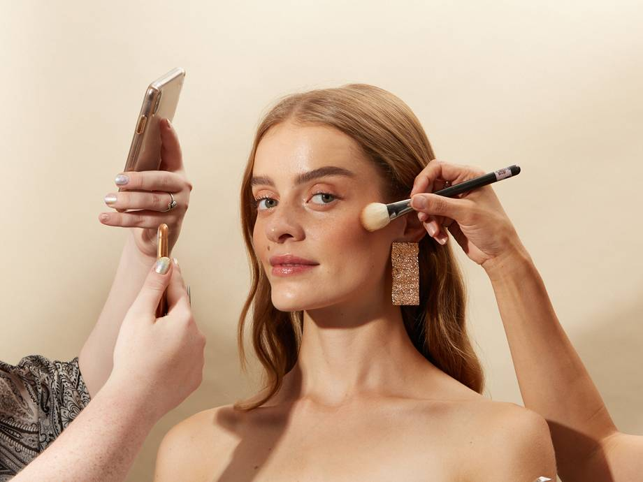 How to Apply Liquid, Cream and Powder Bronzers