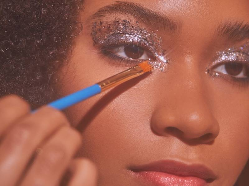 how-to-apply-glitter-eyeshadow-without-fallout