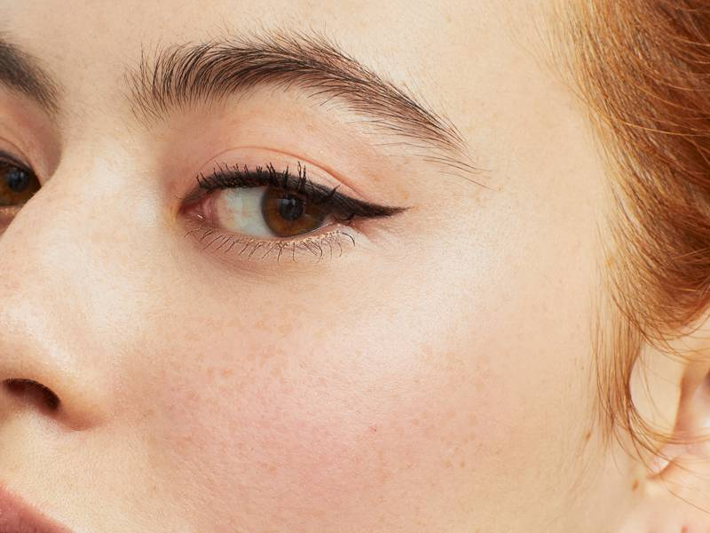 6 Eyeliner Tools Every Cat Eye Lover Needs in Their Beauty Stash