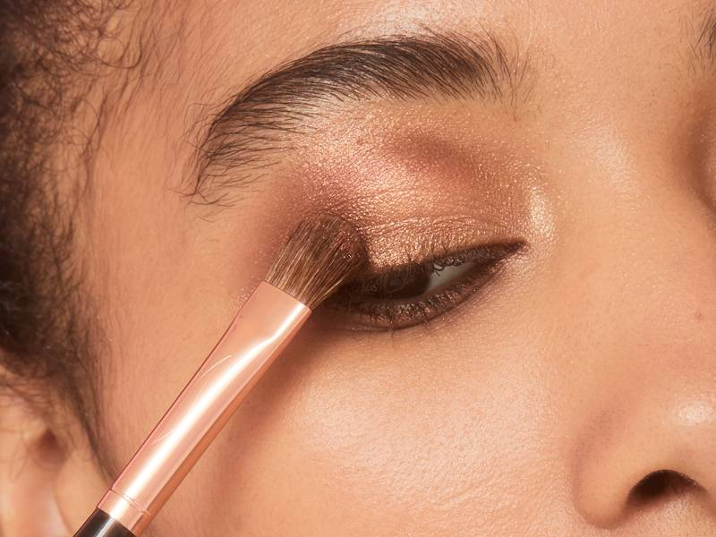 You've Heard About Eyeshadow Transition Shades, But Do You Know How to Use One?