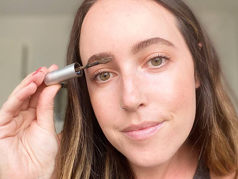 A Guide to Finding the Best Brow Gel For You