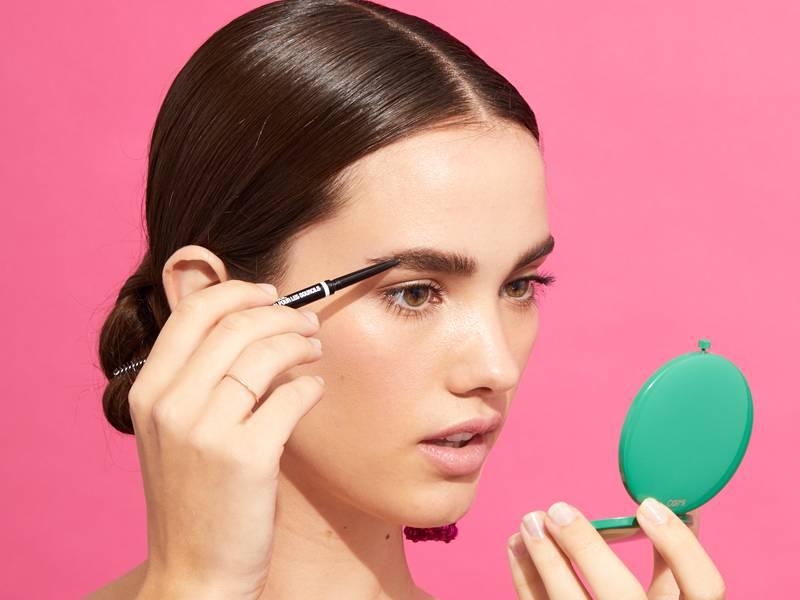 How to Fake Microbladed Brows — All You Need is This Video